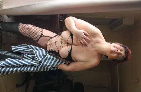 Femme nue mature escort nantes